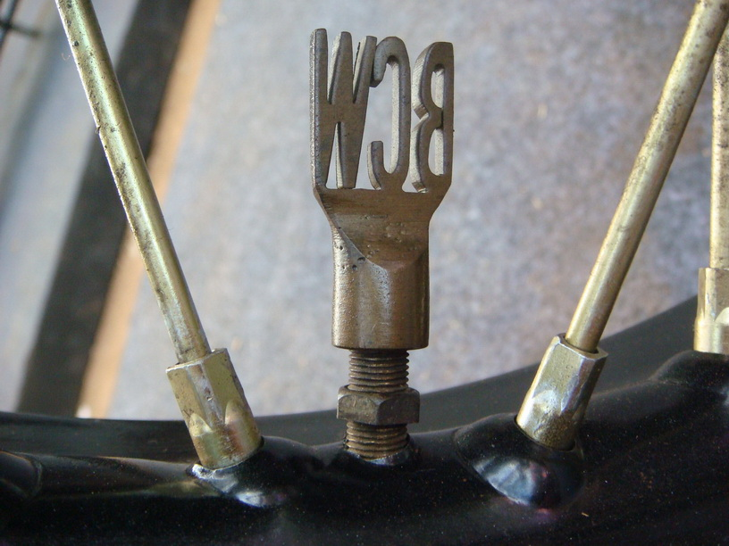 Nice detail (valve cover)