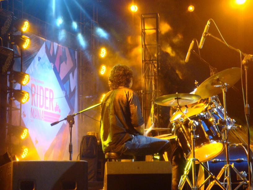 "The virtuous drummer ""Indian Ocean"""