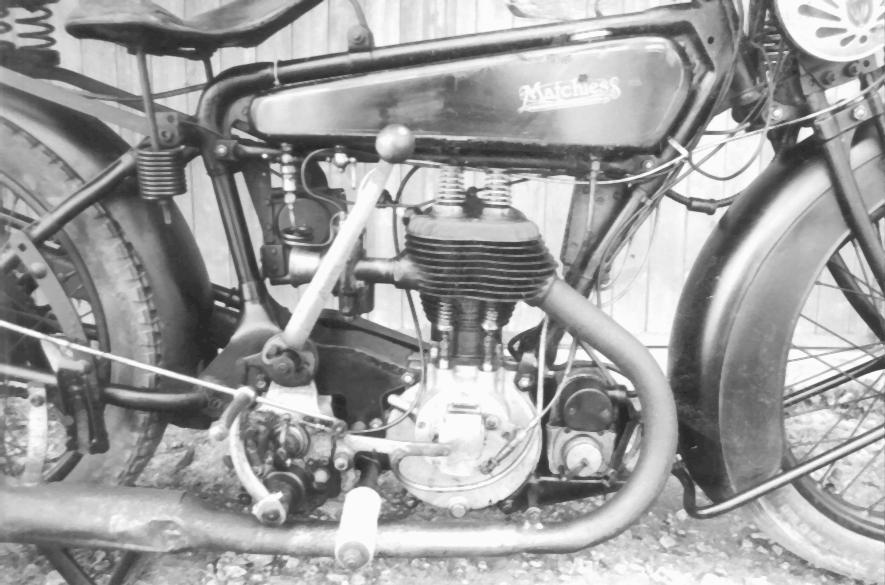 MATCHLESS  1930ies close view